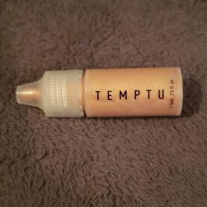 Temptu Highlighter